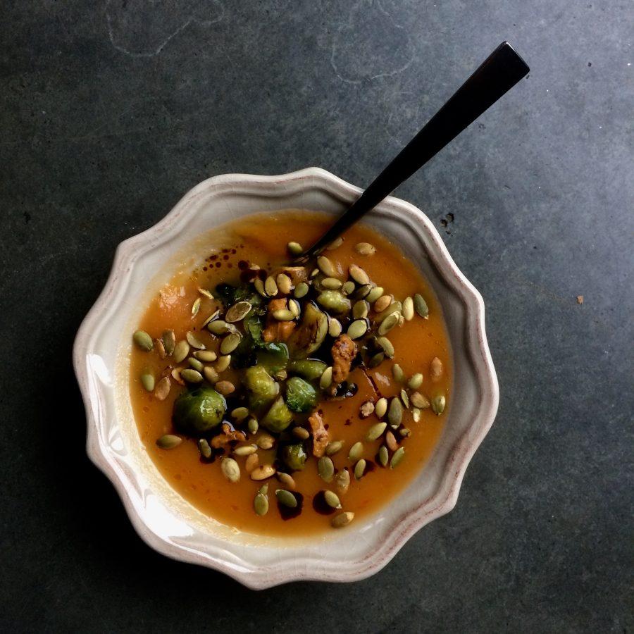 Zupa krem dyniowo-pomidorowa z imbirem.